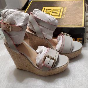 Pour la victoire wedge sandals